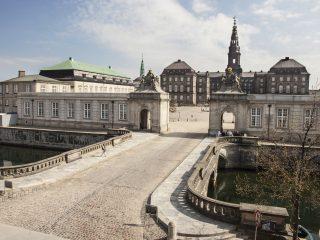mennesker miljø Christiansborg folketinget folkestyret demokrati
